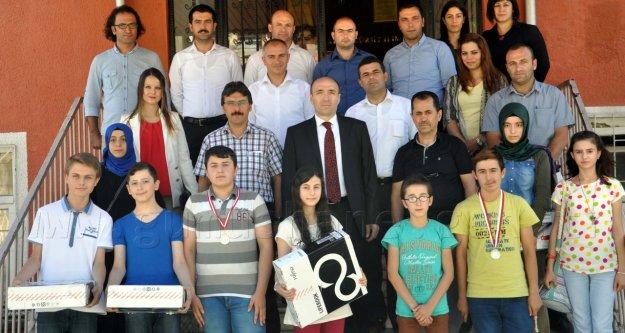 turkiye_ikincisi_gumushane_den_h12833_2d7d6