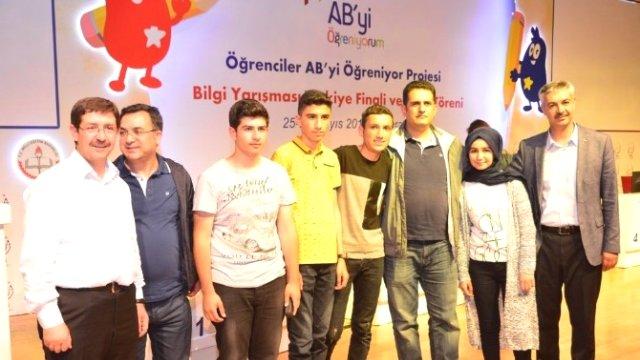 vanli-ogrenciler-turkiye-birincisi-oldu-8471746_x_o